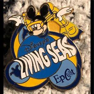 Disney trading pin. The living seas Epcot.